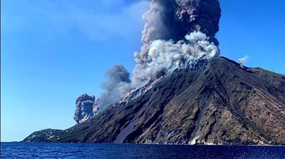 Вулканы Стромболи и Альбанские горы.  Готовы ли люди?